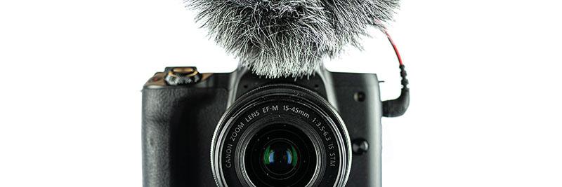 Canon M50 mit aufgesetztem Rode VideoMicro